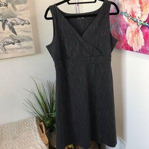 Eddie Bauer V-Cut Dress Size XL